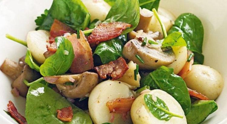 Σαλάτα σπανάκι με σοταρισμένα μανιτάρια